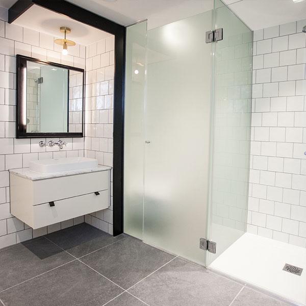 Riverside Studios bathroom